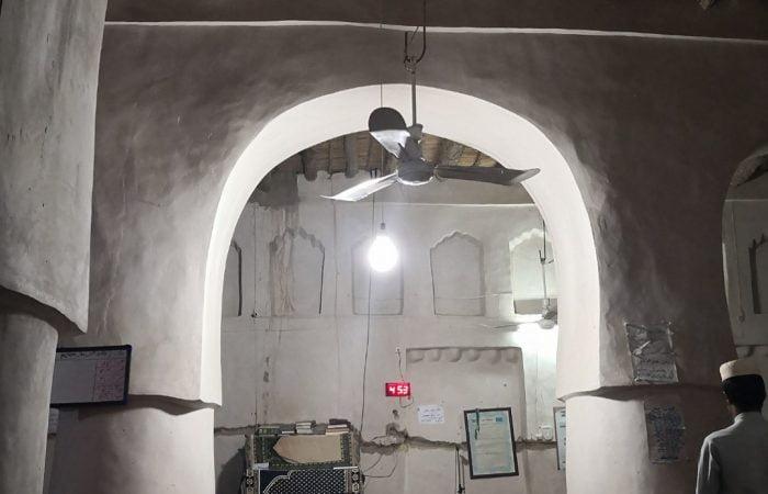 Old balochi mosque in Saravan-Iran vegan Baluchestan tour